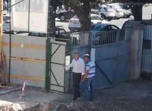 Стройфирма известного мецената «забивает» на запрет мэра Гусева