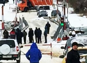 В Воронежском микрорайоне Шилово вместе со льдом сошел понтонный мост