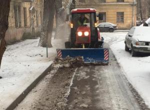 В мэрии Воронежа рассказали, чем занималась ночью коммунальная техника