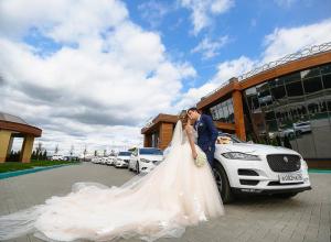 Пользователи Сети позавидовали свадебному платью воронежской невесты