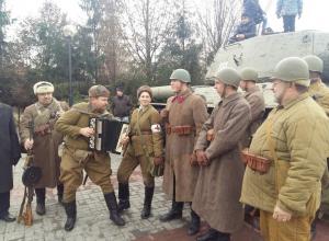 В Воронеже состоялась реконструкция легендарного парада 7 ноября 1941 года