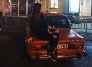 Красотка на «шестерке» попросила дотянуть ее до Северного в Воронеже