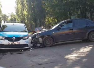 Воронеж встал в огромной пробке из-за аварии с автомобилем ГБР