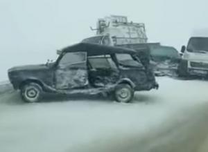 Массовая авария, из-за которой образовалась многокилометровая пробка под Воронежем, попала на видео