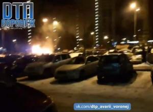 Поджог трех машин с взрывами в центре Воронежа попал на видео