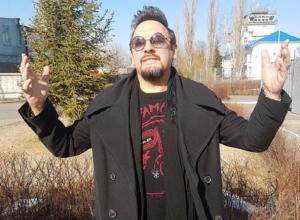 Стас Михайлов встретил настоящую весну в Воронежском аэропорту