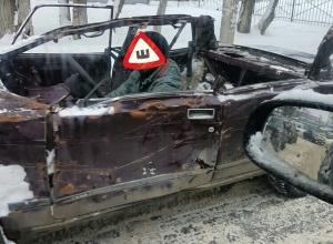ВАЗ-кабриолет с суровым водителем сфотографировали на дороге в Воронеже