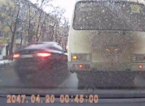 Воронежцы высмеяли попавшего на видео автохама из далекого 2047 года