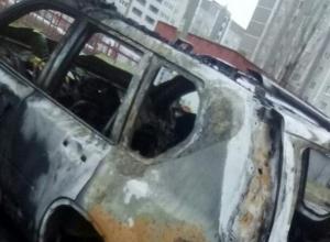 В Воронеже последствия массового пожара в 5 машинах сняли на видео