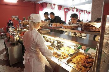 Воронежские студенты могут оценить новый формат столовых ВГУ