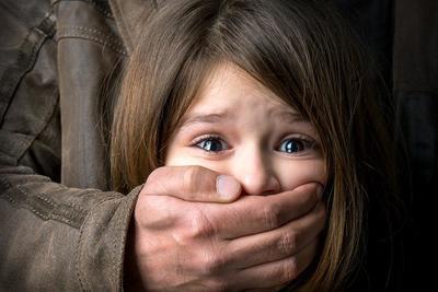 ВВоронежской области 29-летний педофил целый год насиловал 10-летнюю падчерицу