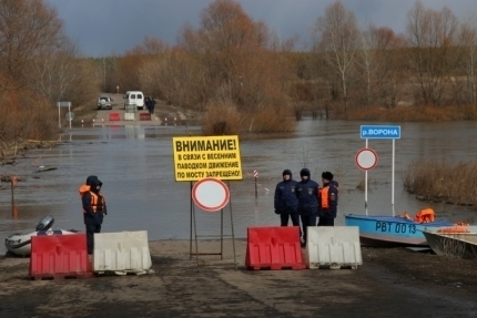 Три моста ушли под воду вВоронежской области
