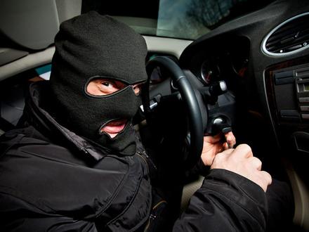 Воронежец устроил погоню за грабителем после удара ножом