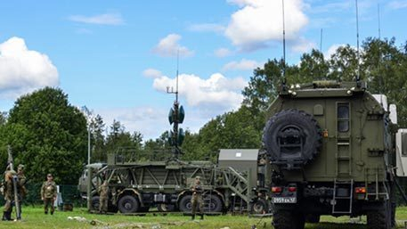 Русская армия получила первую партию новых подвижных радиоцентров «Антей»