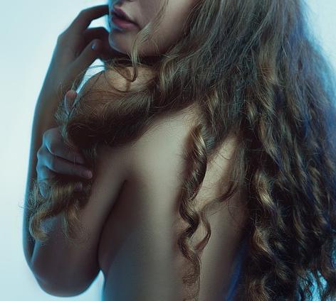 Молодого человека осудят заразмещение интимных фото 12-летней девушки