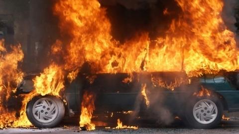 24-летний парень сжег иномарку ради пяти тысяч в Воронеже