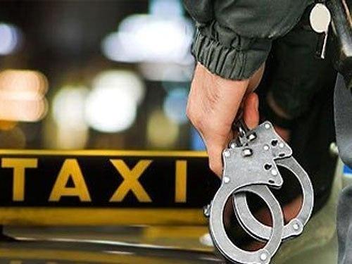 Двое обнаглевших пассажиров ограбили таксиста вРостове-на-Дону