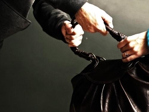ВВоронеже милиция поймала молодых людей, поочередно ограбивших пятерых городских жителей