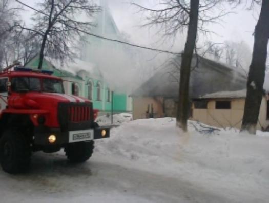 Напожаре вВоронежской области мужчина и ребенок спасли семерых соседей