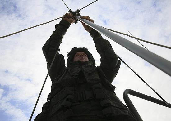 Военные связисты освоили в Воронежской области новую технику