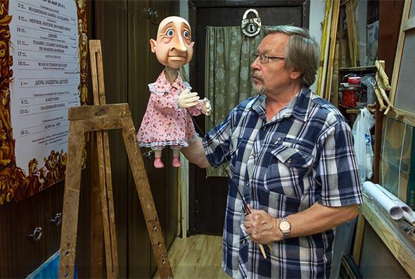 Художник театра кукол приглашает навыставку собственных акварелей