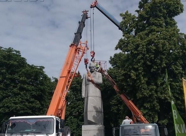 Памятник Кольцову в чекистской шинели перевезут в Воронеже за 1,51 млн рублей