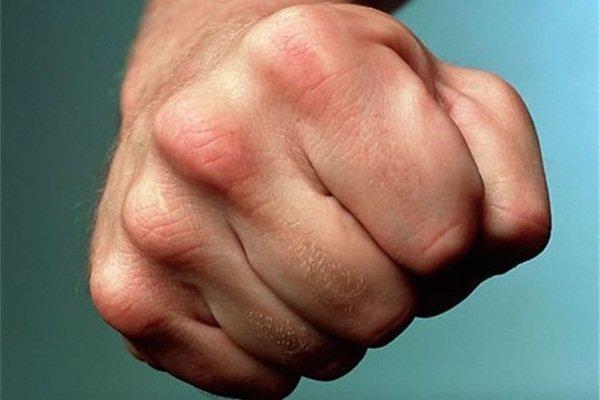 ВВоронежской области рецидивист избил иограбил банщика