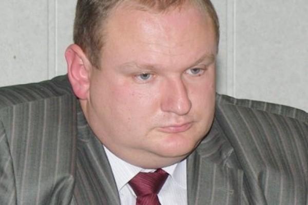 Депутата гордумы Крутских забивают в телефоне как «Дмитрий Массаж» и «Папик с Альштадта»