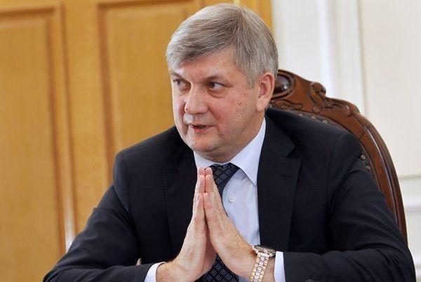Воронежский губернатор Гусев может нарваться на гнев Кремля