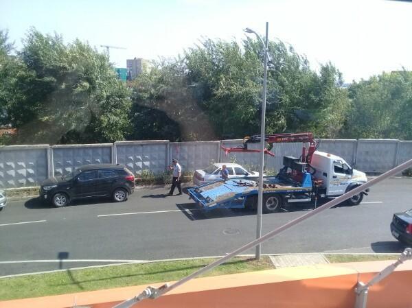 От бизнес-центров в Воронеже срочно эвакуируют все автомобили