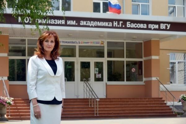 Директор гимназии Басова, депутат Бочарова зарабатывала по 160 тыс рублей в месяц