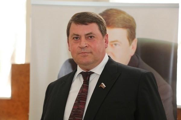 Заместитель губернатора Геннадий Макин попросил Ленинский суд взыскать полмиллиона рублей с «Блокнот Воронеж» и одного пенсионера
