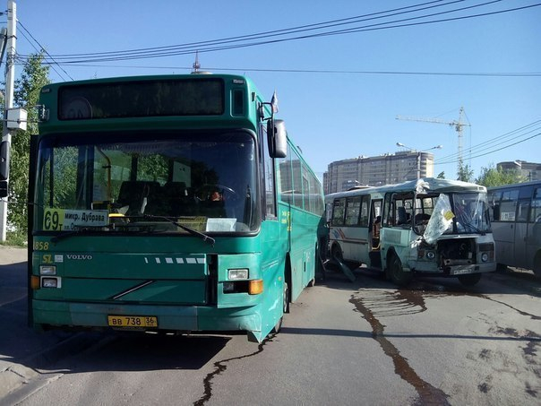 Три пассажира пострадали в ДТП с двумя автобусами в Воронеже.