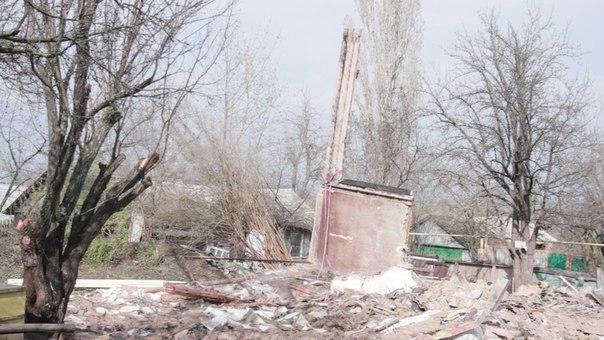 Многодетная воронежская семья погорельцев из-за бюрократии вынуждена жить в комнате мертвого туберкулезника