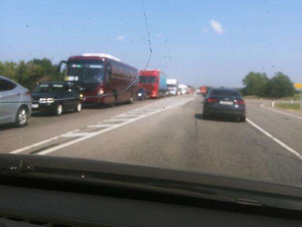 Жители Лосево отмечают рекордные пробки на М-4 «Дон»