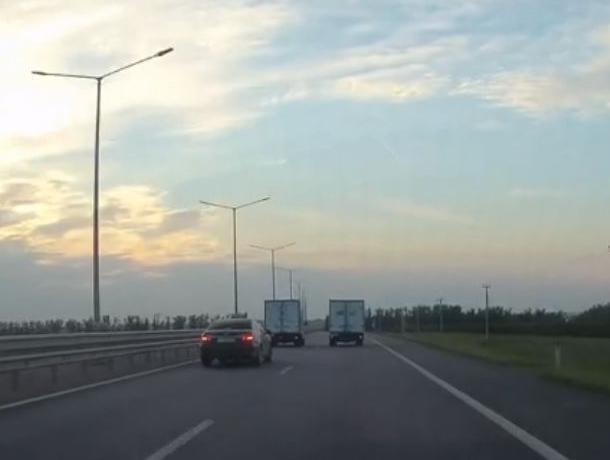 Наглые гонки «Газелей» попали на видео на воронежской трассе