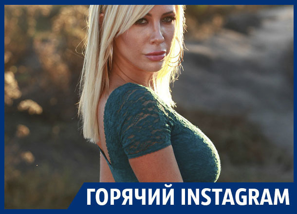 Блондинка в коротких шортиках показала воронежцам шикарную фигуру