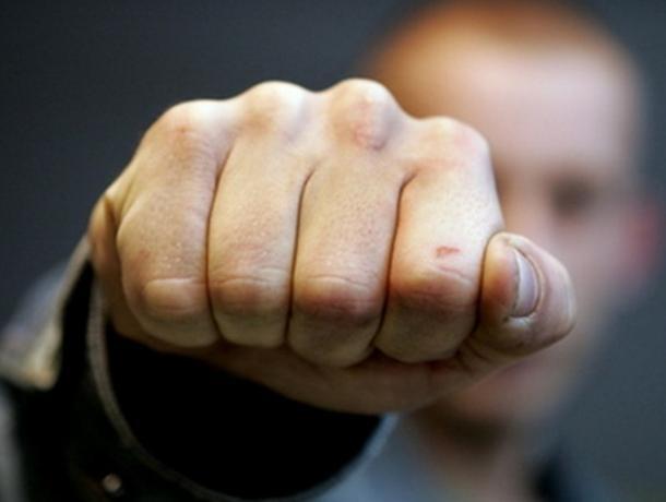 Воронежский бизнесмен пострадал в драке с грабителем магазина