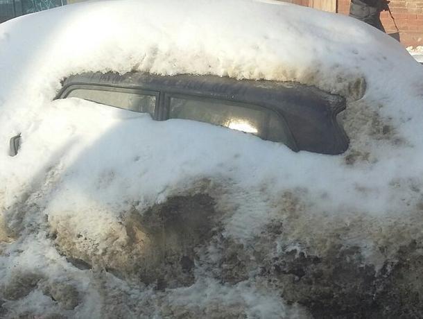 После потепления воронежцы случайно нашли машину