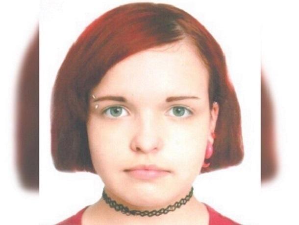 ВВоронежской области пропала 14-летняя девушка спирсингом итатуировками