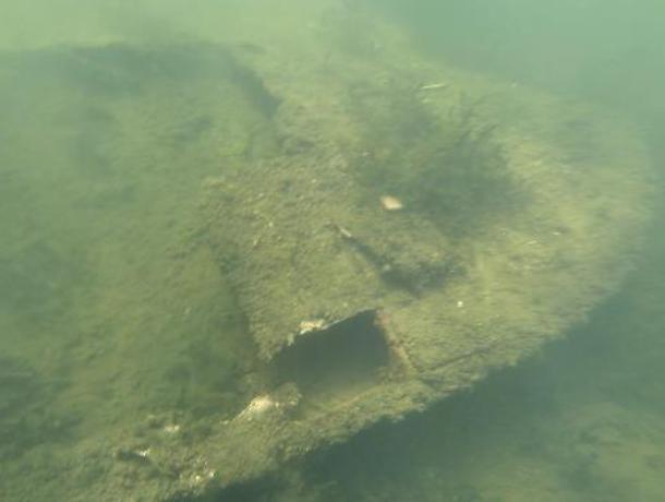 В Воронеже водолазы обследовали дюкеры под дном водохранилища