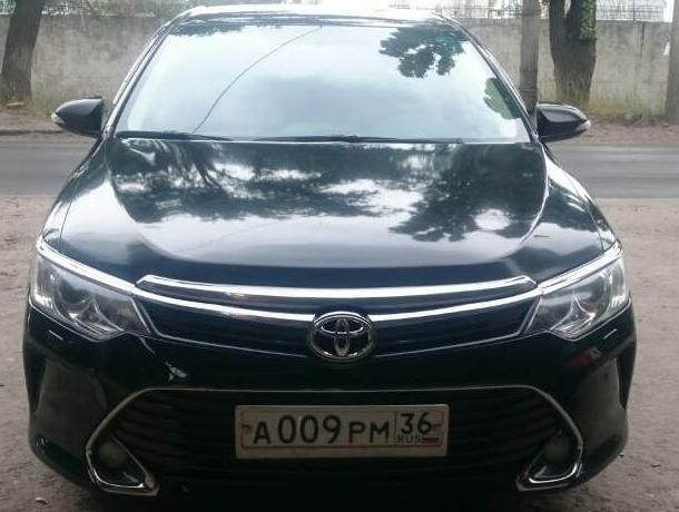 В Воронеже автовладелец пытался остановить угонщика в маске