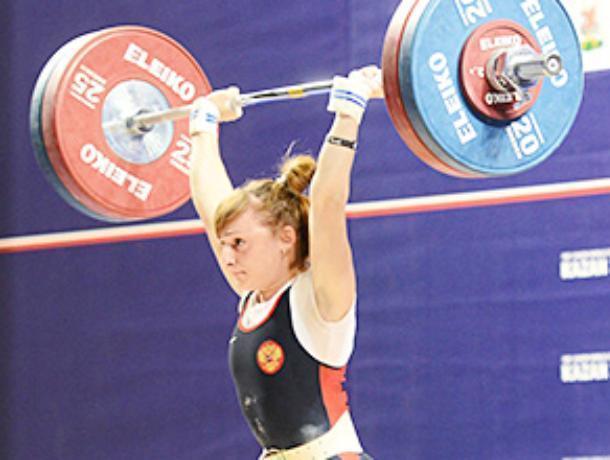 Миниатюрная воронежская силачка заработала серебро на Кубке России по тяжелой атлетике