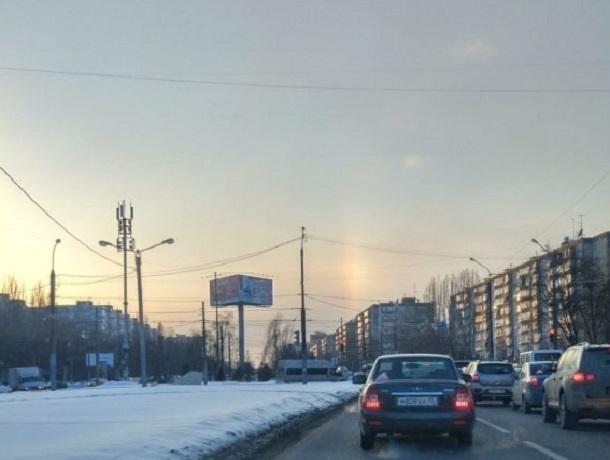 Внебе над Воронежем сфотографировали редкое природное явление