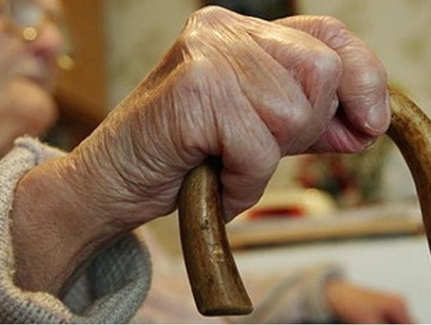 76-летняя старушка отдала мошенникам 70 тыс рублей, чтобы спасти сына в Воронеже