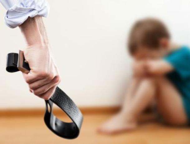 Наркоман, швырявший 4-летнего сына по квартире, избежал тюрьмы в Воронеже