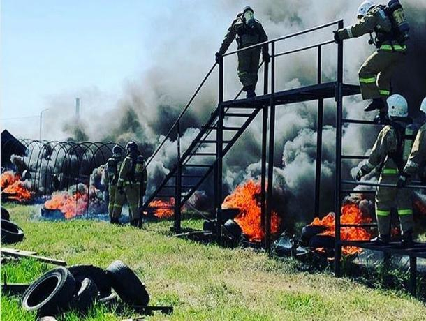 Жесткое испытание воронежских пожарных показали на видео