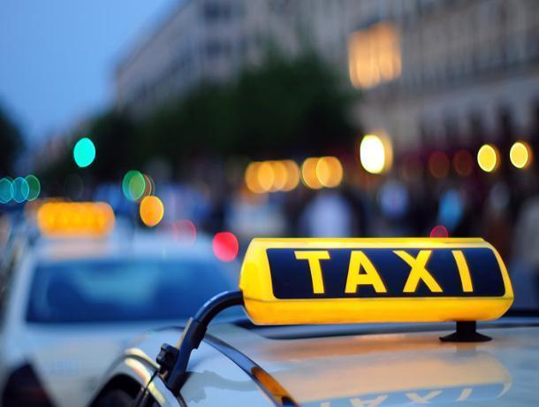Пассажиры избили воронежского таксиста за высокую стоимость поездки