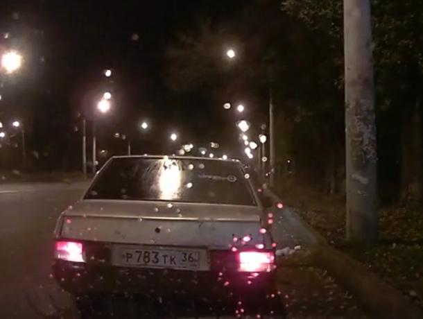 Нелепое вождение  привело к курьезной аварии в Воронеже