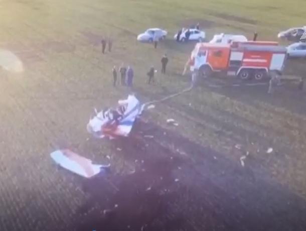 Появилось видео с места крушения самолета на границе с Воронежской областью
